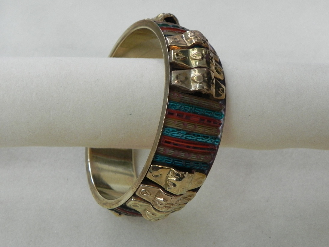 Metal Mixed Glass Bangle