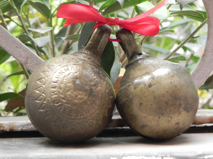 Vintage Cow bell-01