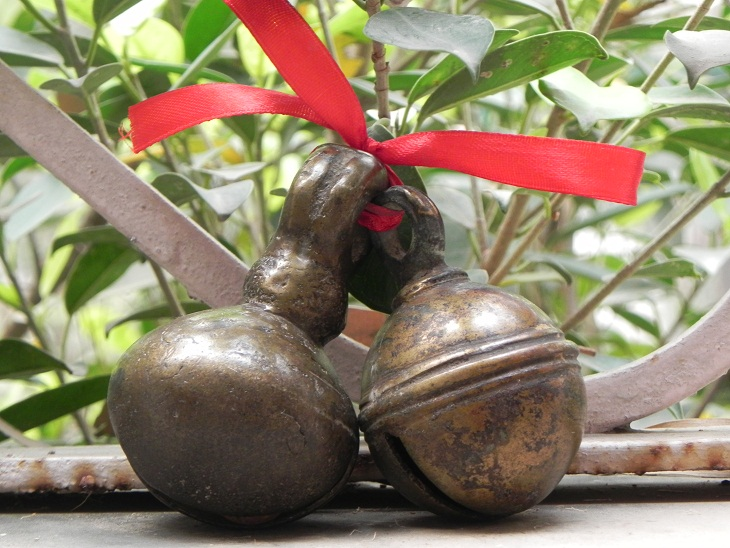 Vintage Cow bell-10
