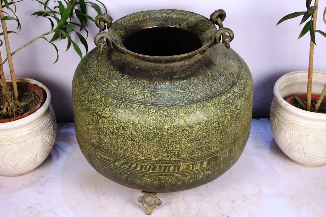 Bronze Planter-17.5 X 22 Inches