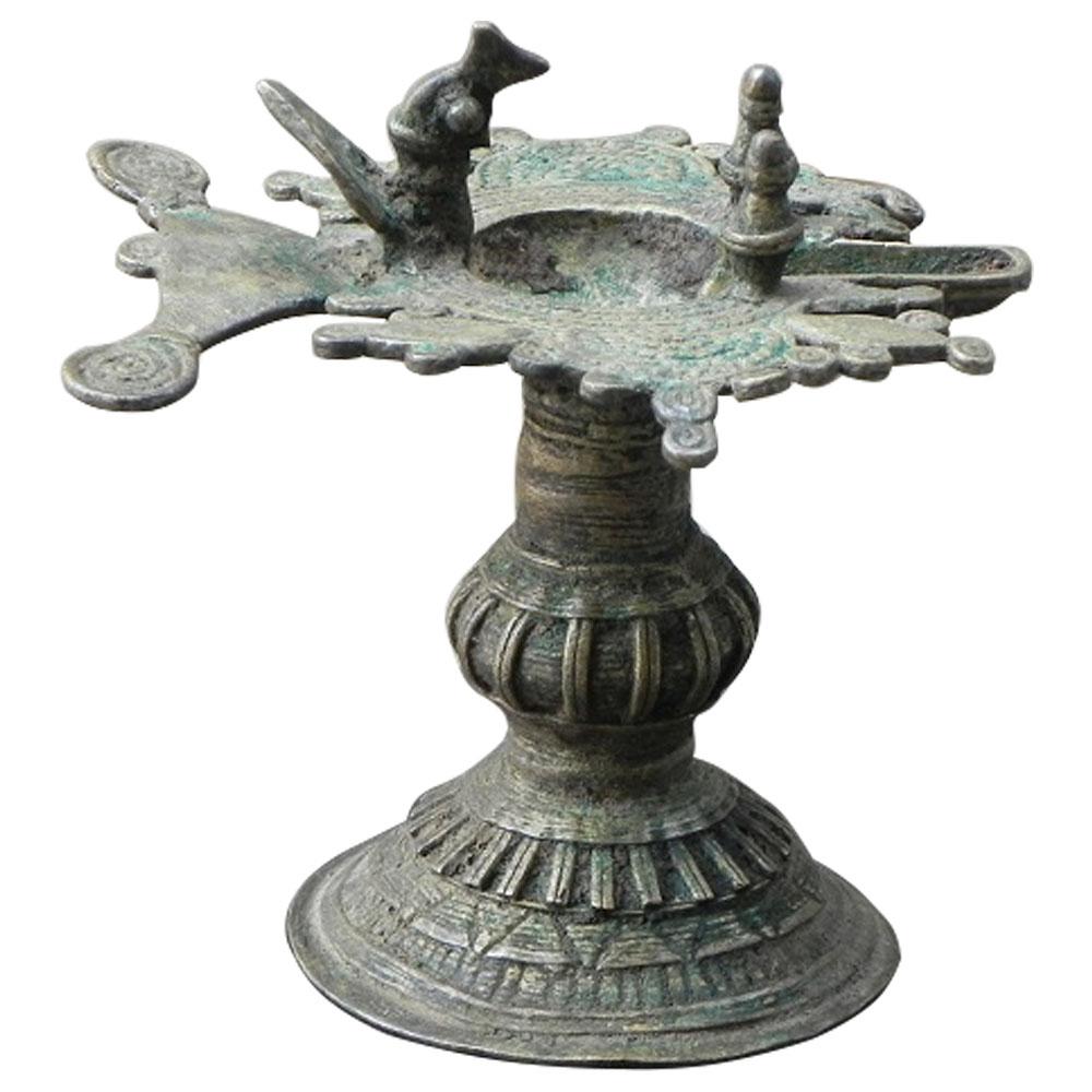 Used bronze oil lamp (orissa) (ht-4.5 inches)