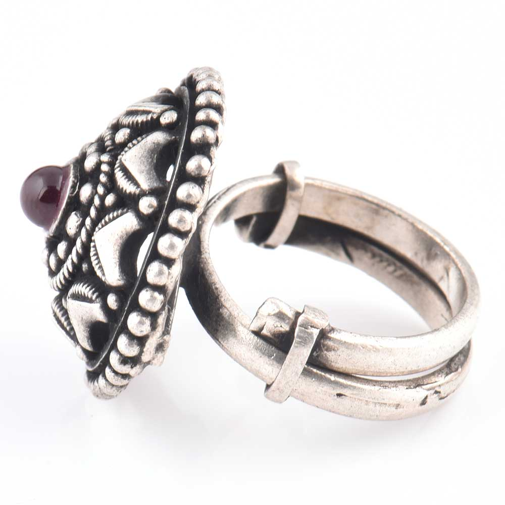 Starry Dotted 92.5 Sterling Silver Ring Oxidized With Amethyst Stone Centre (Free Size)