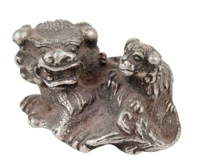 Cute Silver Majestic Lion With Cub Sitting  Statue In Aluminum