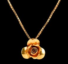 Open Rose Flower 18 K Gold Pendant For Women