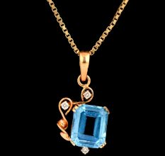 Single Blue Topaz Stone 18 K Gold Pendant With Diamonds